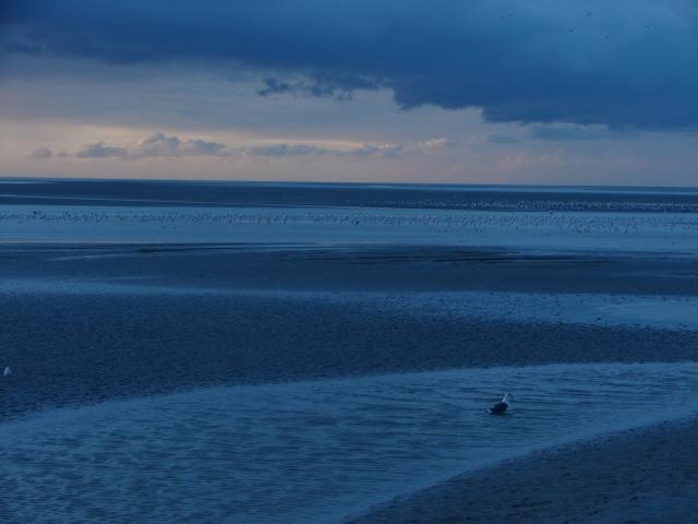 Atardecer azul en el Mont St. Michel (Francia) La foto no tiene intervención, fue un efecto lumínico producido por las sales de la bahía - 2009